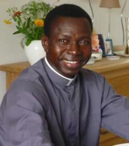Père Jean-Paul Mangopa, Prêtre diocésain de la Paroisse de Marignane du Diocèse d'Aix en Provence