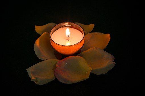 candle-957275__340