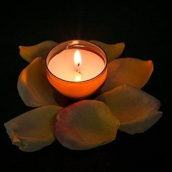 candle-957275__340